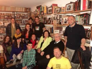"""Encontro de escritores """"Pedras Negras"""". Ilha do Pico, Açores. Vários autores açorianos com Ermelindo Ávila."""