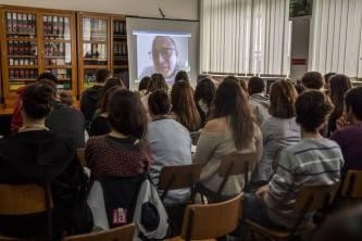 Escola Secundária Jerónimo Emiliano de Andrade, Angra do Heroísmo, Açores. Videoconferência de Pedro Almeida Maia a partir de Coimbra.