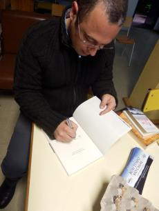 Pedro Almeida Maia na Biblioteca Emanuel Jorge Botelho, Escola EBI Canto da Maia. Ponta Delgada, Açores.