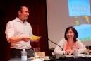 """Pedro Almeida Maia com Patrícia Carreiro, na Biblioteca Pública e Arquivo Regional de Ponta Delgada, Açores. Lançamento de """"Bom Tempo no Canal""""."""